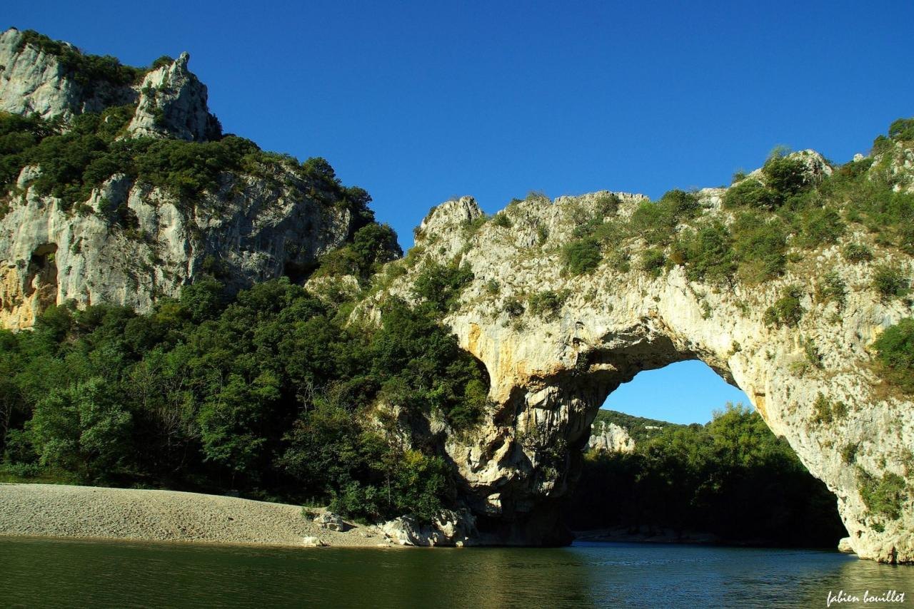 merveilles-nature-france-gorges-ardeche-big